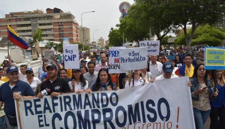 01 3 Periodistas celebraron su día con marcha en Maracaibo. (eluniversal.com)