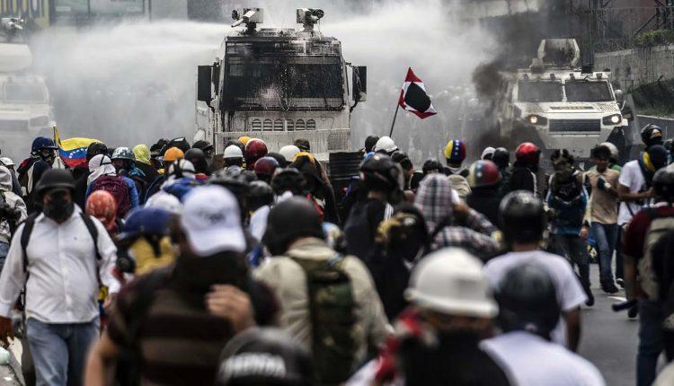 01 4 Francia, Esapaña y El Vaticano exigen cese a la represión. (AFP)