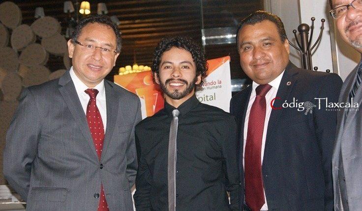 Samuel Tecanhuey (Didactec), Mtro. Eber Medina Flores, José Luis Baltasar (Canacintra) y Francisco Maldonado (Cbta 162).