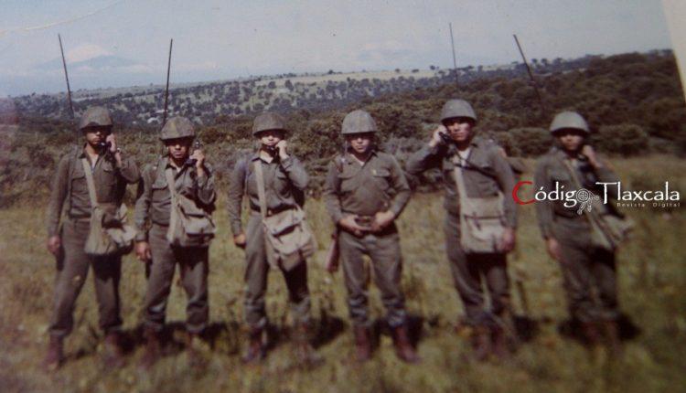 12 Ornelas, Javier Castellano, Ramiro Ávila, Tte. Javier Ríos, Gregorio Guzmán y Adan, del Batallón de Transmisiones, 1970.