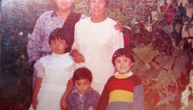 22 Elodia Herrera Cruz, hijas María de Jésus y Anayeli, y nieto Julio César, en Santa Cruz Tlaxcala.