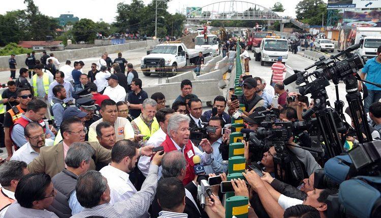 Gerardo Ruiz Esparza Socavón Paso Exprés en Cuernavaca