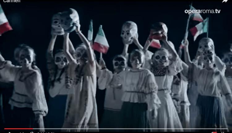 05 Escena del estreno. (Captura de pantalla)