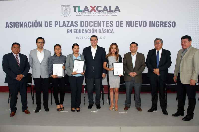 Asignan plaza docentes a maestros de nuevo ingreso for Plazas docentes 2017