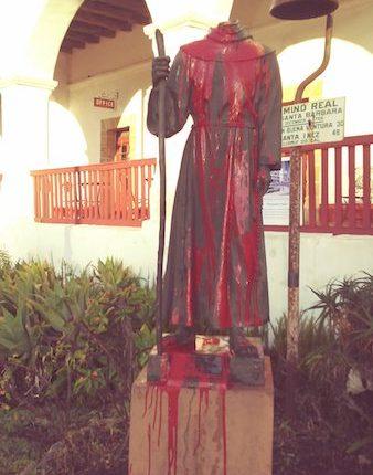 01 Estatua de Junípero Serra en Misión de Santa Bárbara, Cal. (Twitter, finanzas.com)